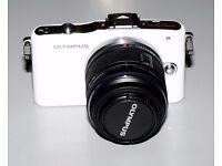 Olympus PEN E-PM1 Digital Camera - White c/w Olympus M Zuiko 14-42mm F3.5-5.6