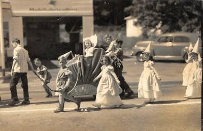Halloween? Parade Float, Kids In Costumes ca 1940s Vintage - Halloween 1940 Costumes