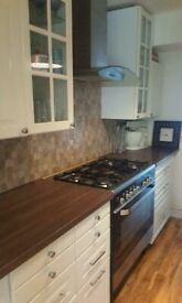 RECENTLY RENOVATED 1 BEDROOM FLAT ,FURNISHED,RM5