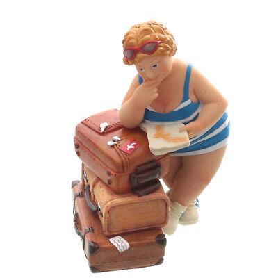 Touristin, stehend, blau / weiß, mit Koffer und Plan