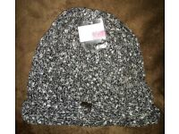 Joblot of 10 winter BLACK women's hats - Other colours are available