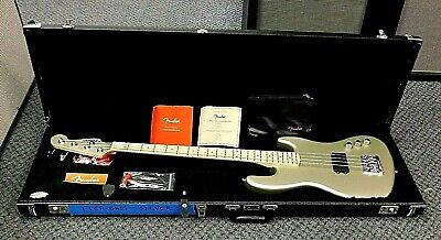 2018 Fender USA Flea Signature Active Jazz Bass! Satin Inca Silver! NO RESERVE!!