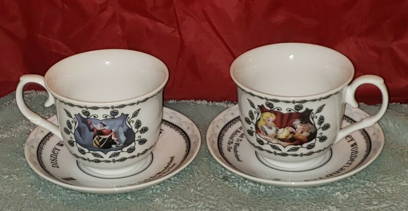 Disneyland Parks Alice in Wonderland Tea Cups and Saucers Queen of hearts great