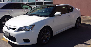2013 Scion tC white