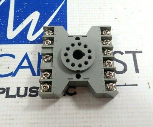 IDEC SR3P-06 RELAY BASE SOCKET 10A 300V