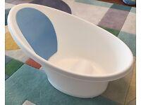 Shnuggle Baby Bath Bathtub - Cosy Bath Tub with Bum Bump Support and Foam Backrest