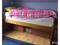 Singel Pine Bed with lots of storage!! < Captains Bed >
