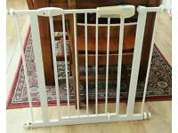 Lindam White Extending Safety/Stair Gate