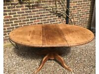 LOVELY OVAL PINE KITCHEN TABLE WITH REMOVABLE LEAF
