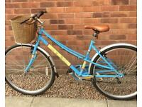 UNIVERSAL CATHY LADIES HYBRID BIKE. £80