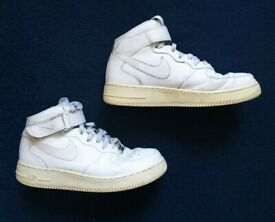 Mens NIKE Air Force 1 AF-1 ('82) white lace up 'Mid' high top trainers (UK 8.5)