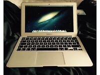 Apple Macbook Air A1465 - immaculate condition!