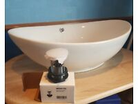 BRAND NEW OVAL COUNTER TOP SINK WITH WASTE