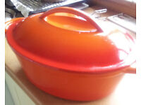 oval casserole dish 4.5 litre very large and heavy