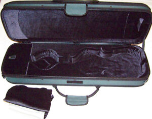 PROTEC- GLAESEL VIOLIN FULL SIZE OBLONG VIOLIN CASE VERY NICE  LIST $350.00