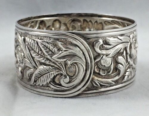 """Repousse by Kirk Sterling Napkin Ring All around Design - 7/8"""" wide"""