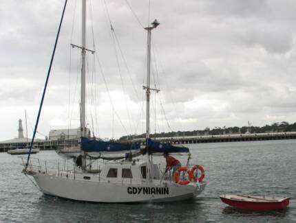 Roberts Yacht, Sailing boat, length 9.7m, Steel construction
