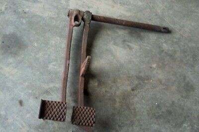 International Farmall Tractor Super C 200 230 Brake Clutch Pedal Shaft Pedals