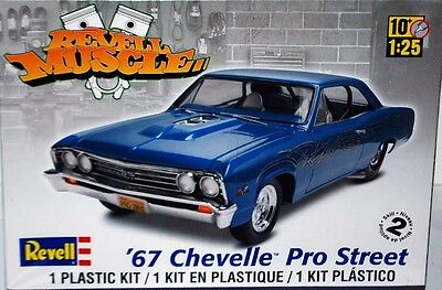 Revell Monogram 1967 Chevrolet Chevelle Pro Street Model Kit 1/25