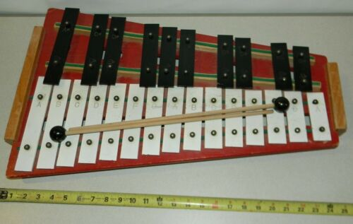Vintage Student Glockenspiel Xylophone Rhythm Band Inc Japan 25 Key with Mallets