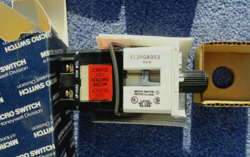 1- NOS - MICRO SWITCH  Rotary Selector Switch - 913BGA953 120 Volt