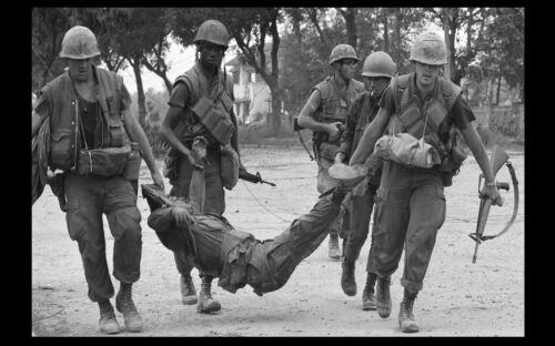 Vietnam War US Marines Leave No Man Behind PHOTO Tet Offensive 68 USMC
