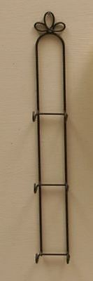 "CURLY CUE 3 PLATE VERTICAL WALL DISPLAY HANGER HOLDER 5-6"" PLATES BLACK METAL"