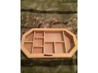 Display cabinet / jewellery case