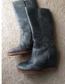Hush Puppies Size 8 Ladies Wedge Boots