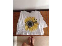 Lovely women's Urban Outfitters sunflower crop summer t shirt