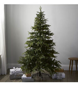 The White Company artificial 5.5ft Christmas tree NEW