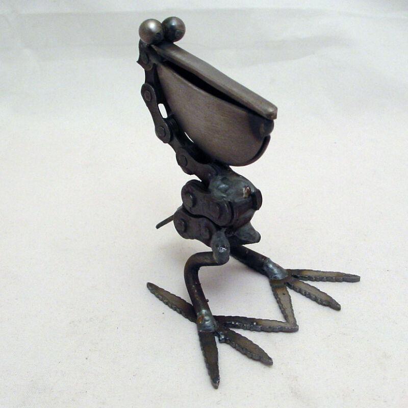 Yardbirds Unpainted Handmade Recycled Metal Bike Chain Pelican Bird Sculpture