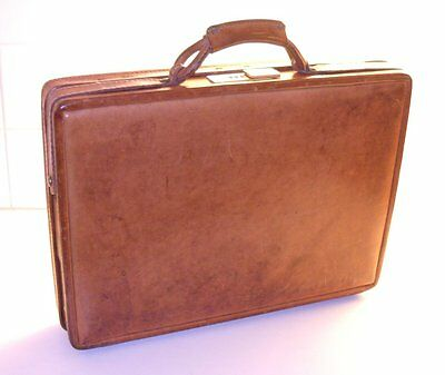 Polaroid SX-70 Executive Attache Case, by Hartmann, in extremely good condition!
