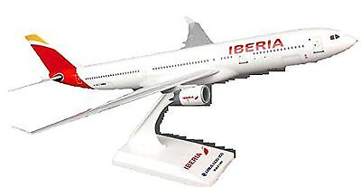 Skymarks American Airlines Airbus A330-300 1//200 Scale with Stand Reg N270AY