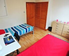 FANTASTIC & CHEAP Twin Room** MAIDA VALE ** Perfect for 2 friends **