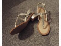 Ladies clarke's white leather summer sandals 5 and 1/2