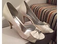 Brides shoes size 5