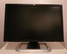 HP LP 2475w Monitor (Dream Color) for high color and high resolution