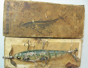Michigan-Lifelike-classic-wood-lure-glass-eyes-in-RARE-BOX