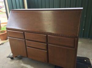 Desk - Used & Heavy - Old Style/Antique/Business/Bureau
