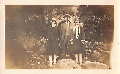 KEEPING DAD BUSY - CUTE FLAPPER GIRLS YOUNG WOMEN & PIPE MAN VTG ANTIQUE PHOTO](Young Cute Tube)