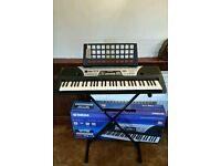 Yamaha electrickeyboard organ including box and stand