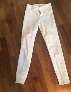 H&M white jeans size 24
