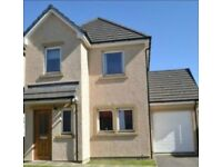 3 Bedroom detached house with garage to rent