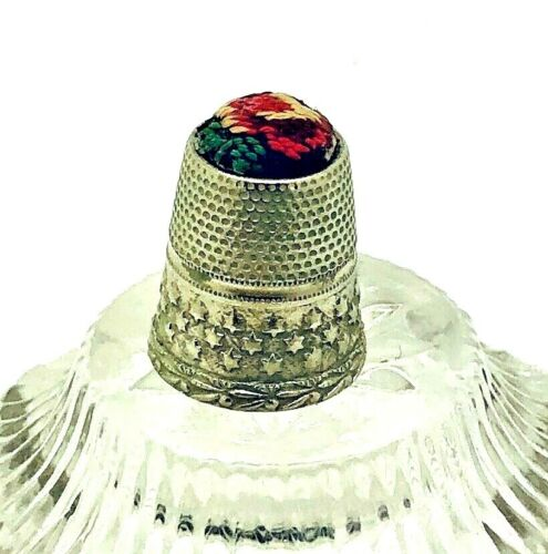 Vintage thimble Pin Cushion petit point embroidery Top Collectible silver stars