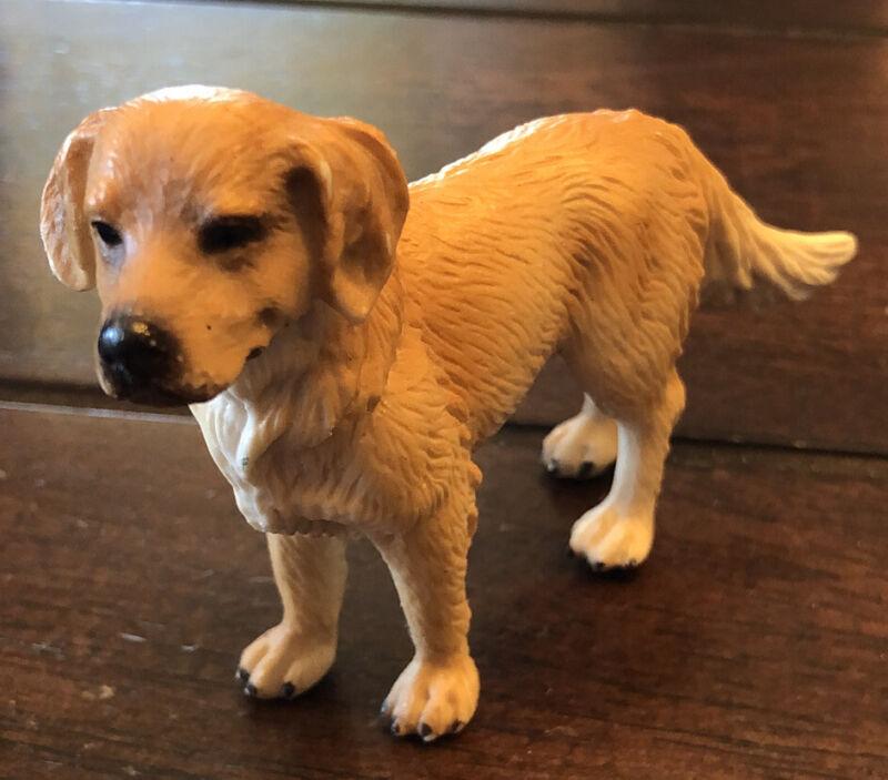 Schleich Golden Retriever Male Dog Toy Figure 16335 Retired