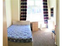 2 bedrooms in Belgrave Avenue, Manchester