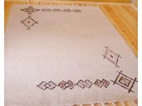 Handmade Moroccan Rug. Wool and natural dyes