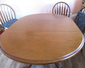 Extendable Dining Room Table and Six Chairs