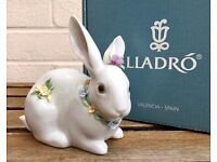 LLADRO -ATTENTIVE BUNNY WITH FLOWERS- ANIMAL FIGURE MODEL 6098 BOY GIRL BABY RABBIT HARE